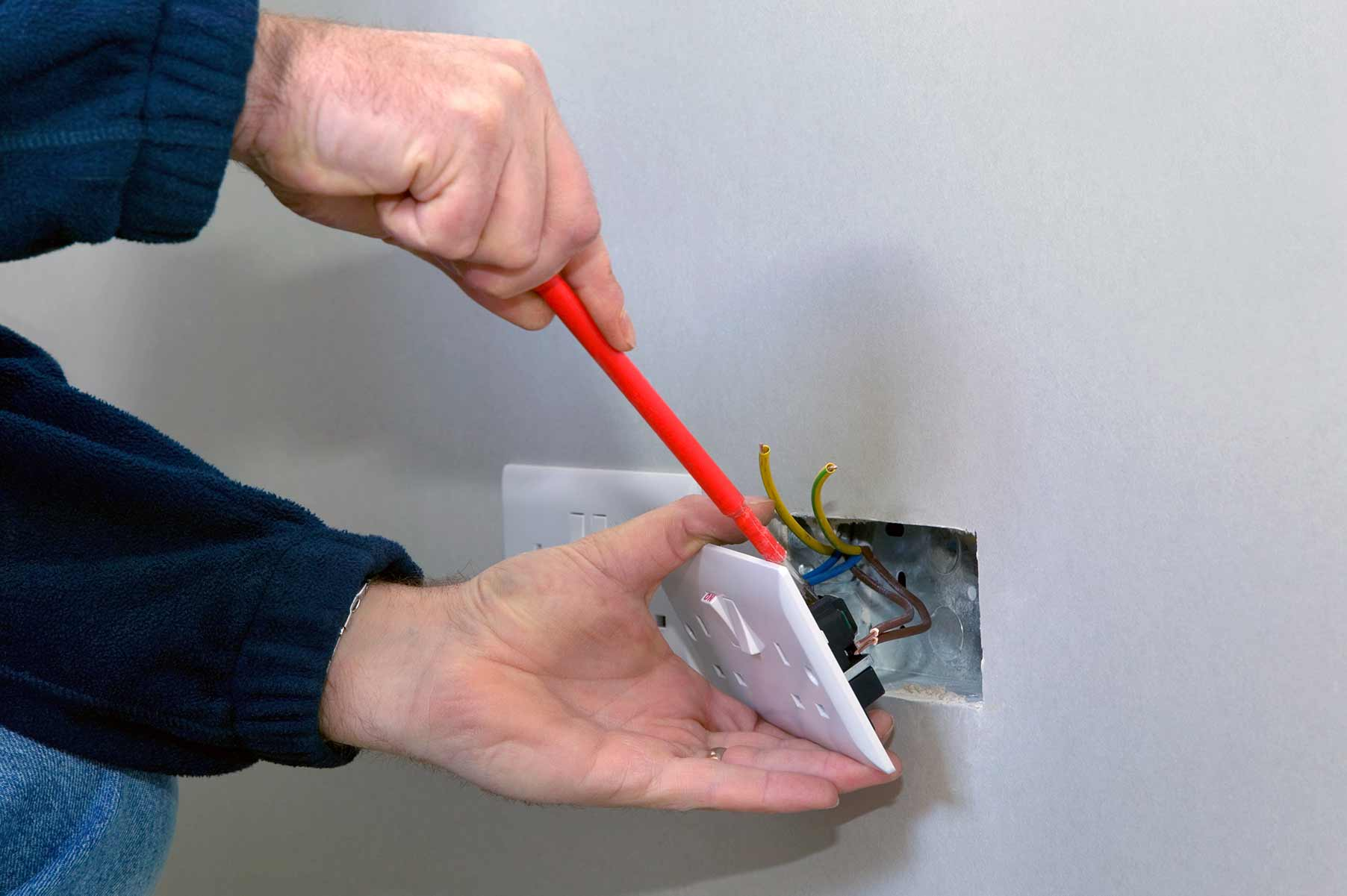 Our electricians can install plug sockets for domestic and commercial proeprties in Hounslow and the local area.